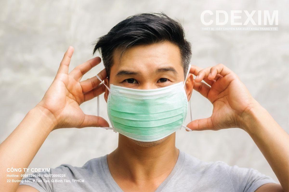 Đeo khẩu trang để tránh Sốt siêu vi lây nhiễm